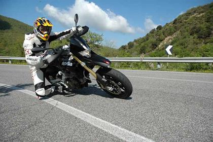 Aprilia Dorsoduo review action