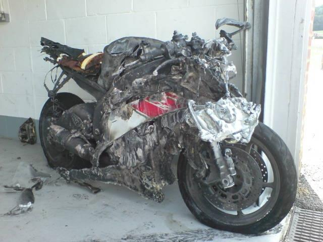 MCNs Yamaha R6 Is No Longer After A Brands Hatch Track Day Fire