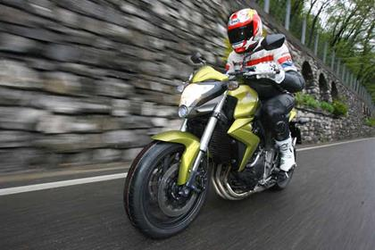 Honda CB1000R bike review action