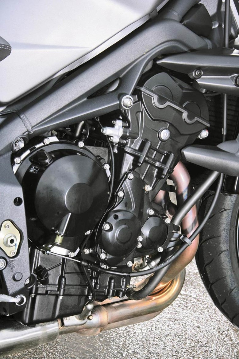 Remarkable Triumph Street Triple R 2008 2012 Motorcycle Review Mcn Ibusinesslaw Wood Chair Design Ideas Ibusinesslaworg