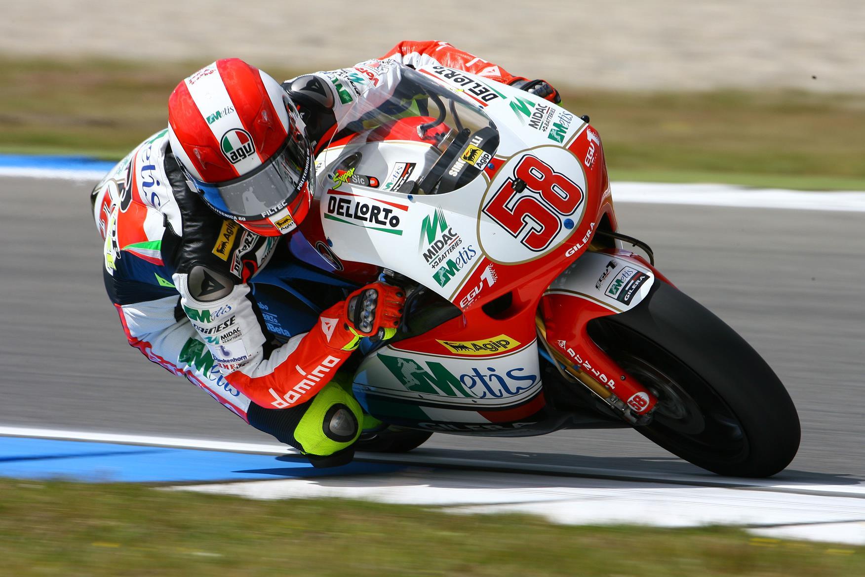 Phillip Island MotoGP: Marco Simoncelli smashes 250GP lap record | MCN