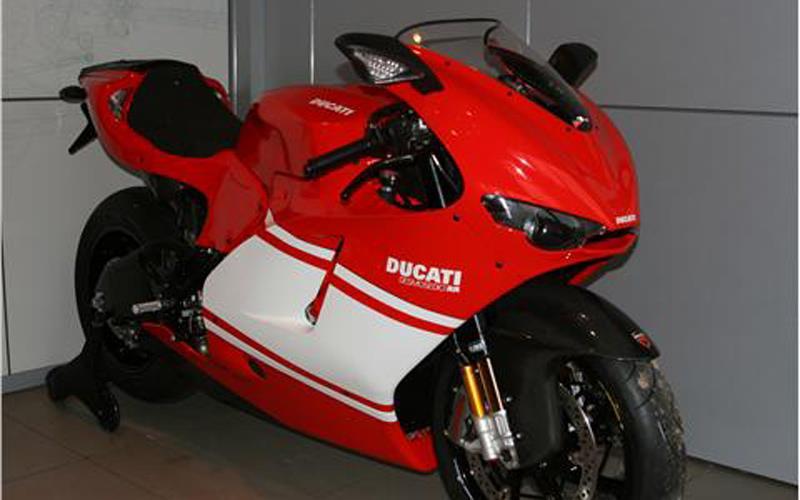 bike of the day: ducati desmosedici rr | mcn