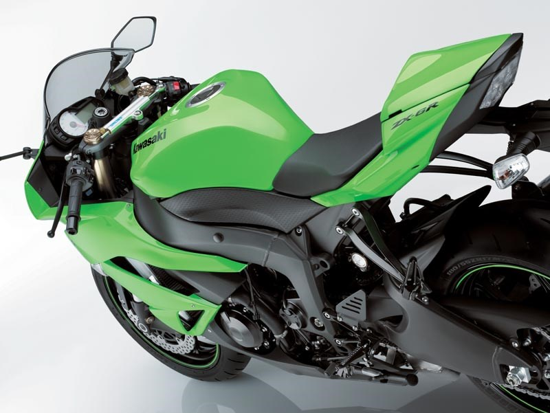 Incredible Kawasaki Zx 6R 2009 2012 Review Speed Specs Prices Mcn Andrewgaddart Wooden Chair Designs For Living Room Andrewgaddartcom