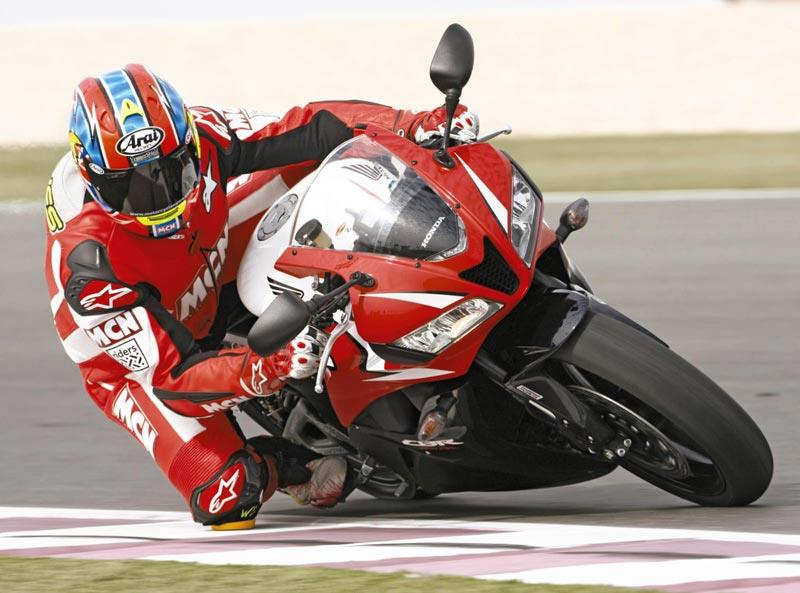 Honda CBR600RR   Knee Down ...