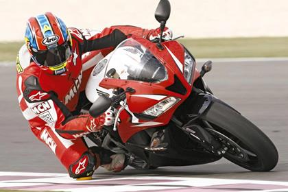Honda CBR600RR - knee down