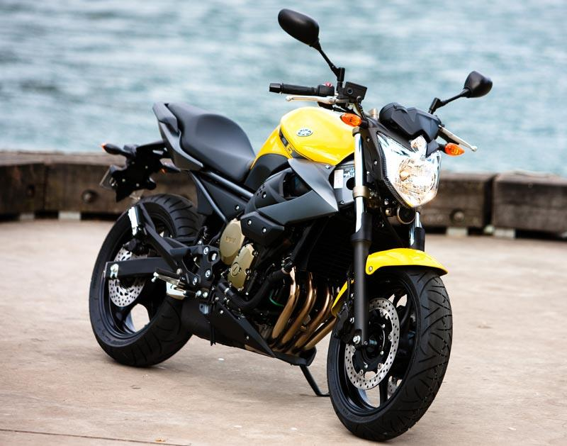 Are Pictures of 80s style 600cc bikes naked very