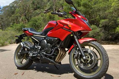 Yamaha XJ6 Diversion - prettier than the old divvy