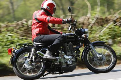 Royal Enfield Woodsman - rolling antique