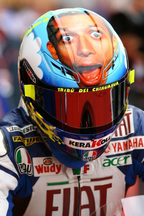 World Exclusive Have Your Face On The Valentino Rossi Helmet Mcn