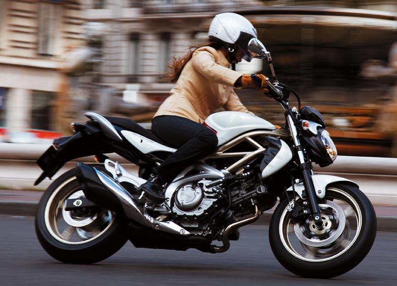 SUZUKI GLADIUS 650 (2009-on) Review | MCN