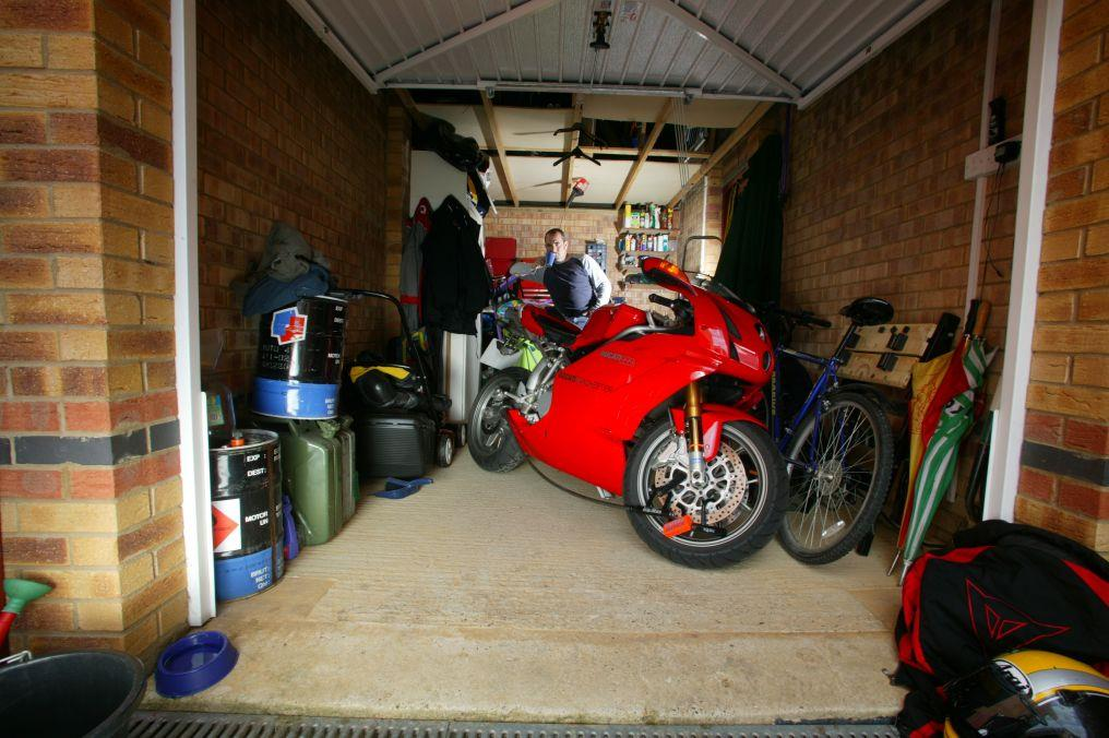 Friday debate your 1000cc dream garage mcn for Garage reparation moto