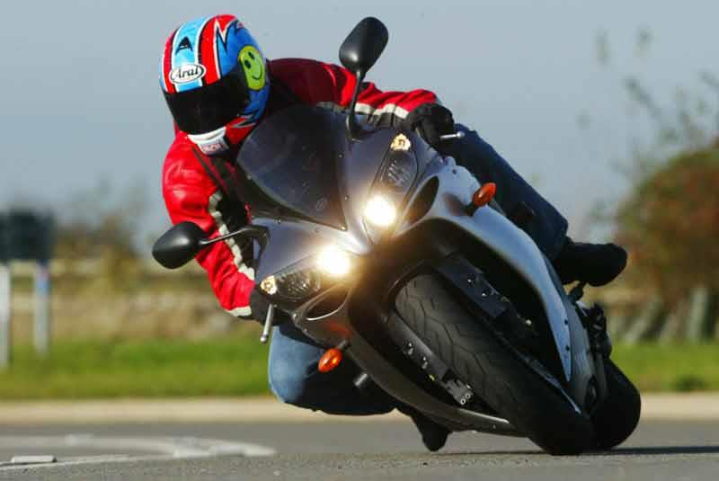 1998 R1 >> The evolution of the Yamaha R1 | MCN
