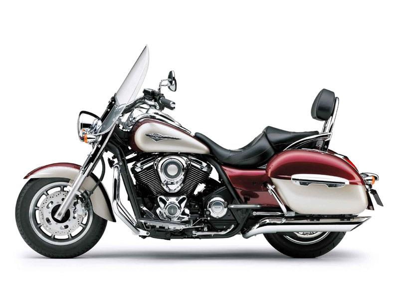 kawasaki s vn1700 voyager classic and classic tourer pile. Black Bedroom Furniture Sets. Home Design Ideas