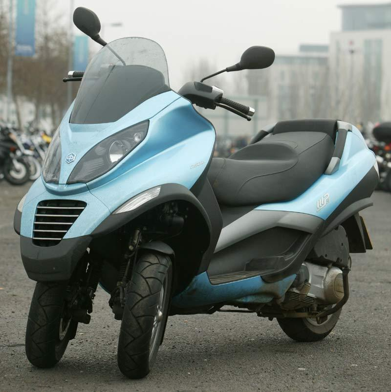 piaggio mp3 250 2007 on review speed specs prices mcn. Black Bedroom Furniture Sets. Home Design Ideas