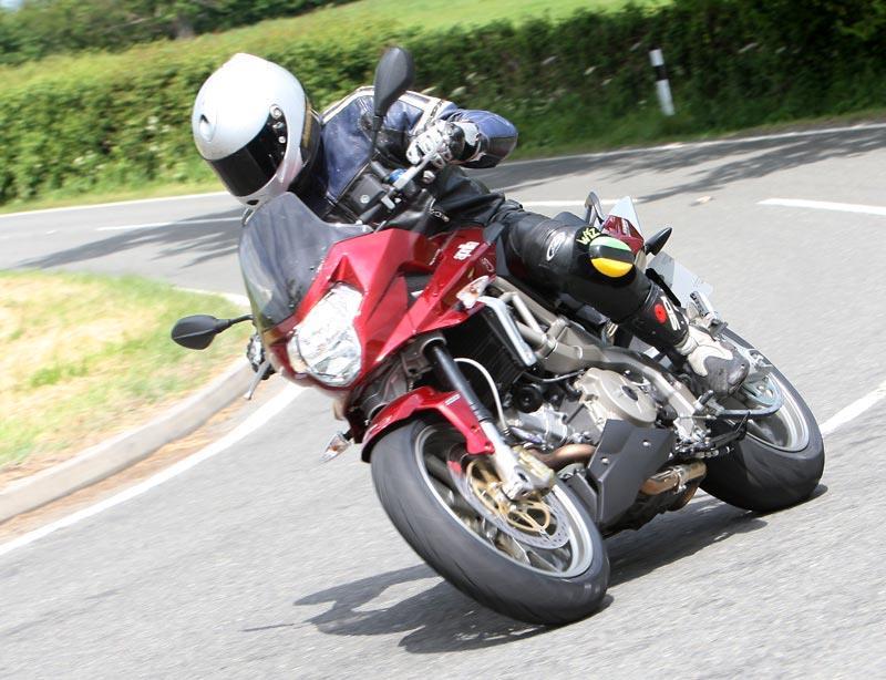 Aprilia Shiver 900 / MotoGeo Review / Motorcycle + Review ...