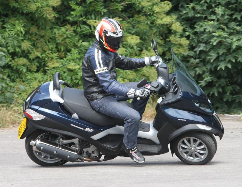 piaggio mp3 400 full review | mcn