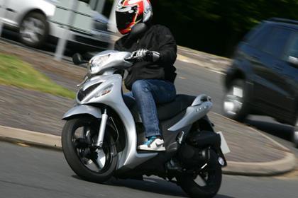 Suzuki Sixteen