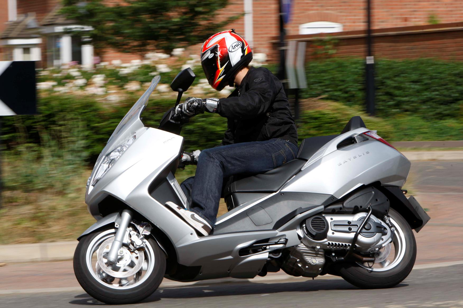 Contact moreover Heres Why The Tvs Apache 200 Can Be A Real Winner moreover Uk furthermore Fj 1200 Itx furthermore Yamaha T Max 500 2004 Pic 55095. on yamaha 750 motorcycle