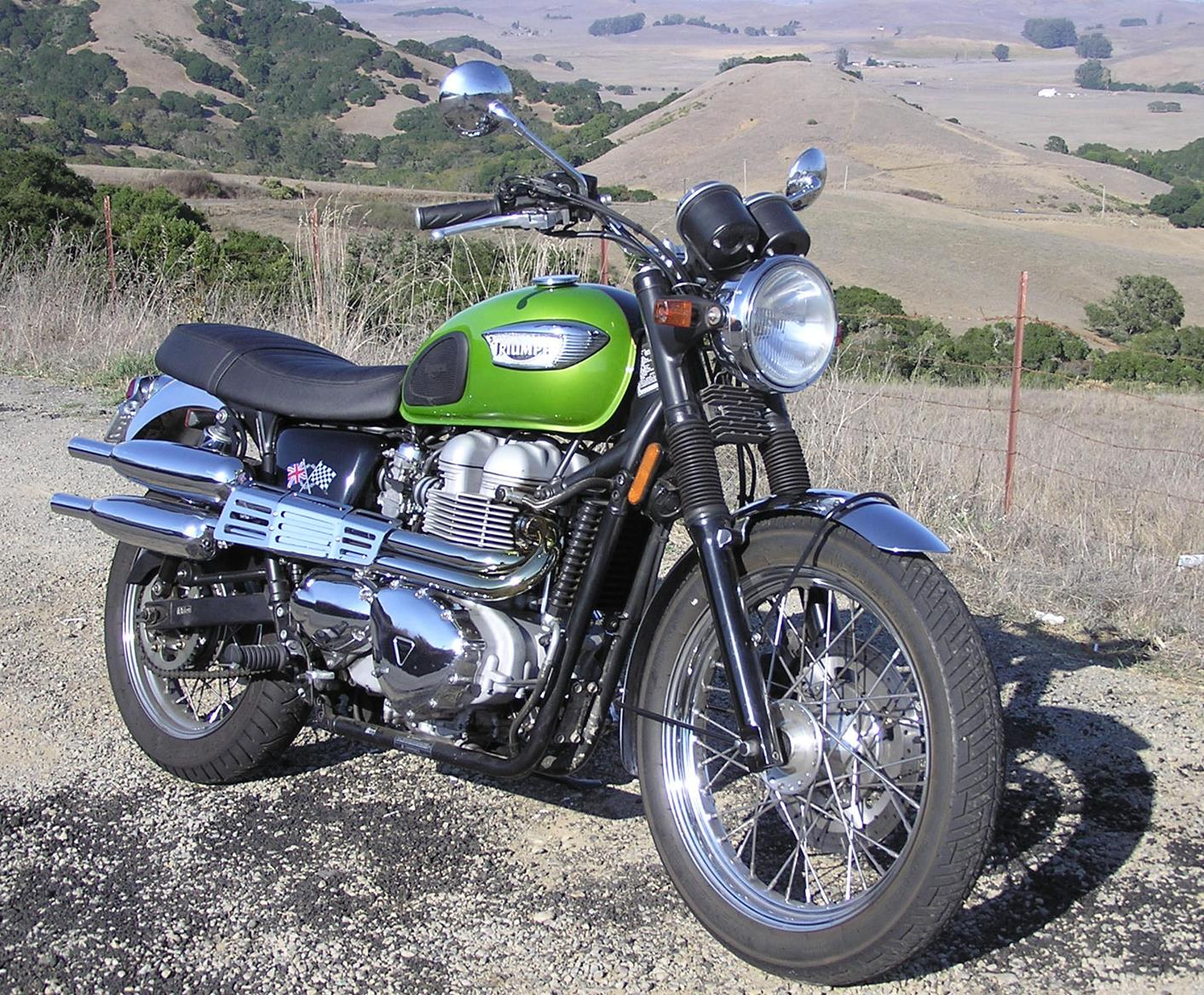 new exhausts for fuel-injected triumph bonneville from norman hyde