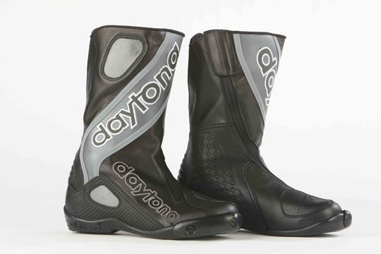 MCN Biking Britain survey: Top 10 most comfortable racing boots | MCN