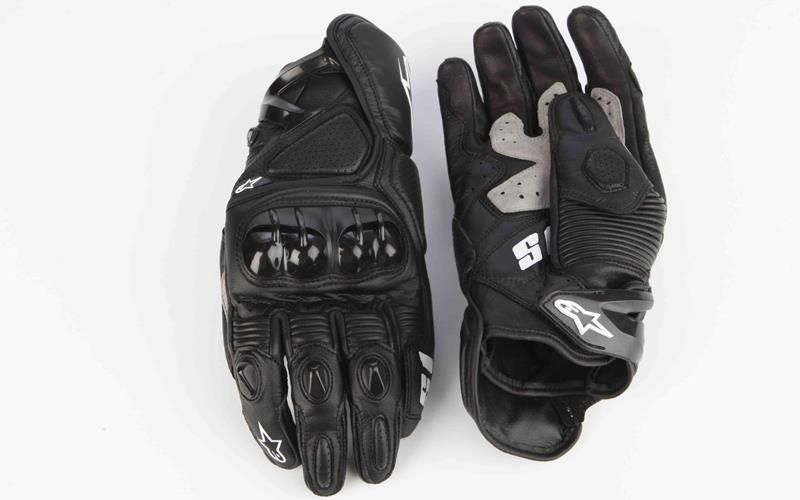Glove review: Alpinestars S-1