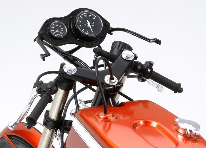 Gorgeous Honda CB750 Racing model