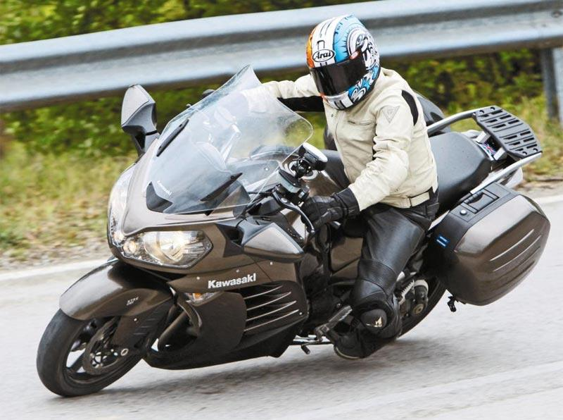 KAWASAKI GTR1400 (2010-on) Review | Speed, Specs & Prices | MCN