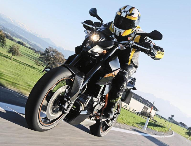 Ktm 690 Duke R 2010 2011 Review Speed Specs Amp Prices