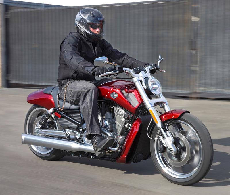 HARLEY-DAVIDSON V-ROD MUSCLE (2009-on) Review | MCN