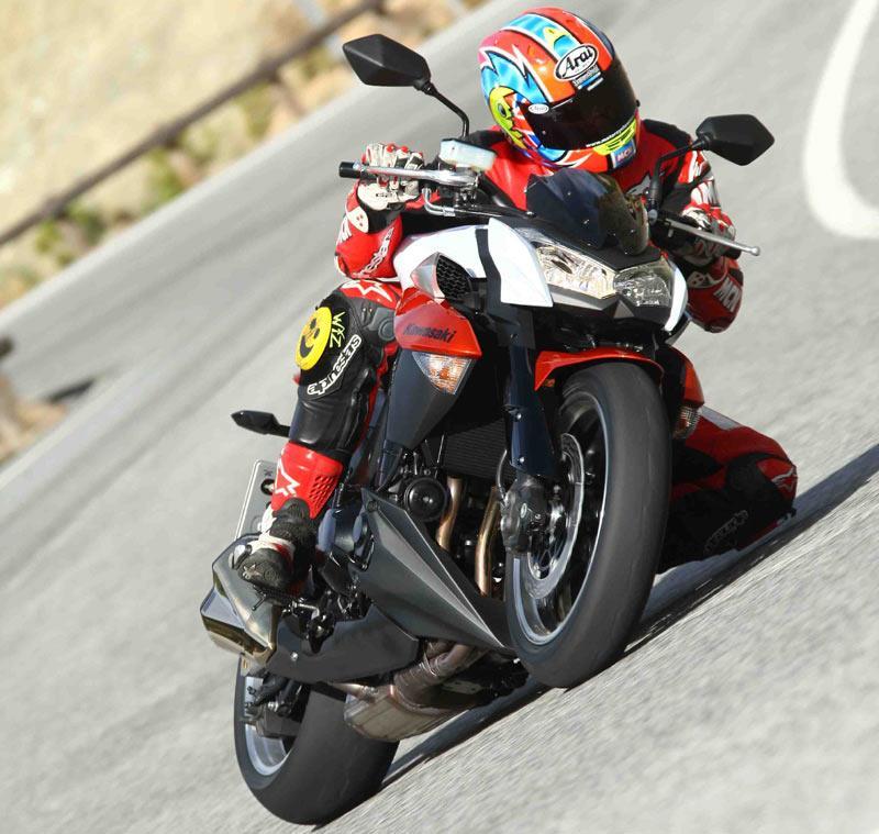 Kawasaki Z1000: Better Naked Ride Kawasaki Z1000 _front