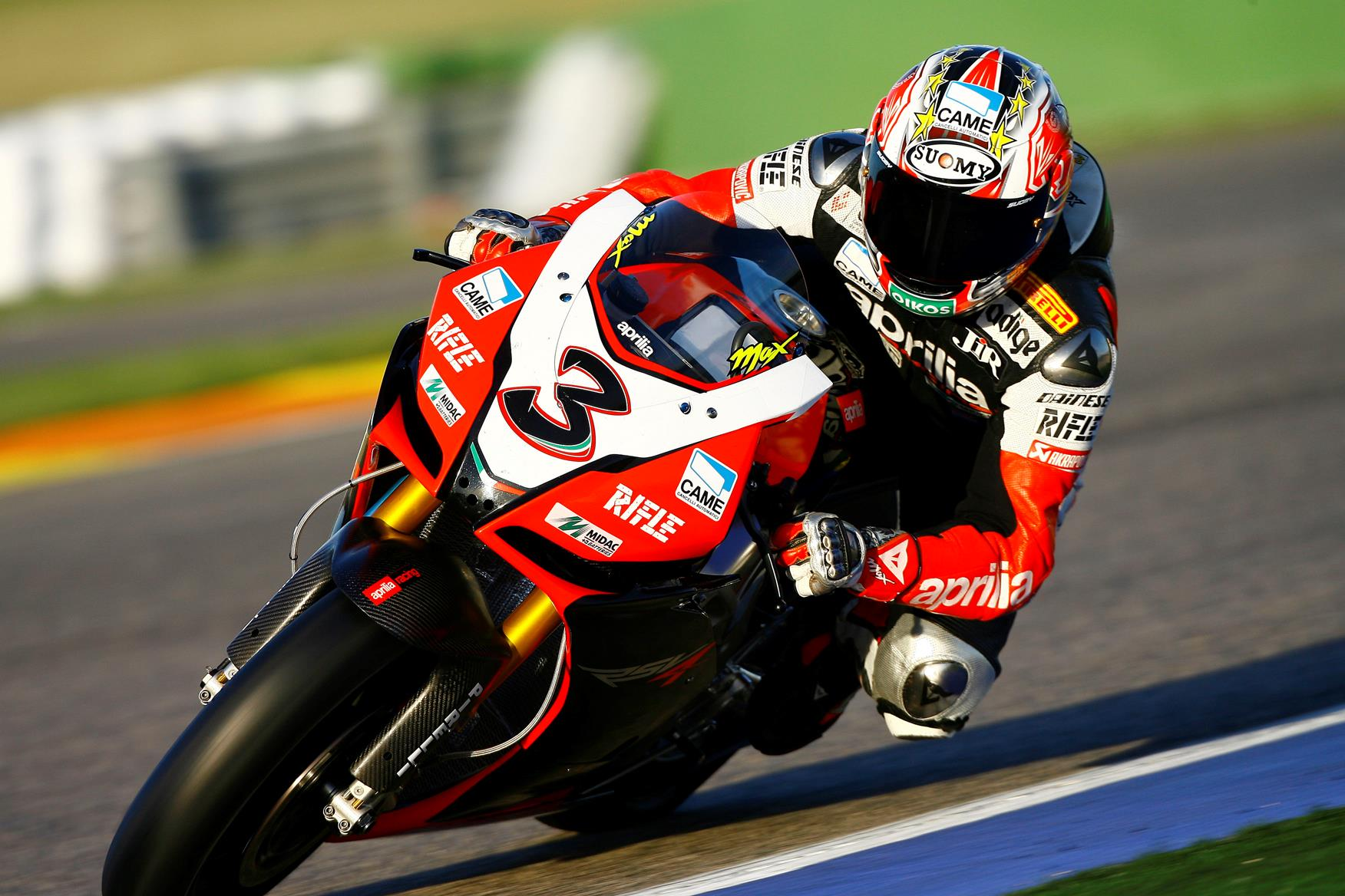 Biaggi ends 2009 on top at valencia test mcn biaggi saved his best until last at valencia altavistaventures Gallery