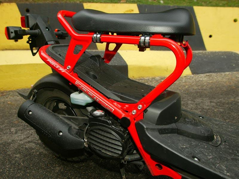 HONDA ZOOMER 50 (2005-2012) Review   Specs & Prices   MCN