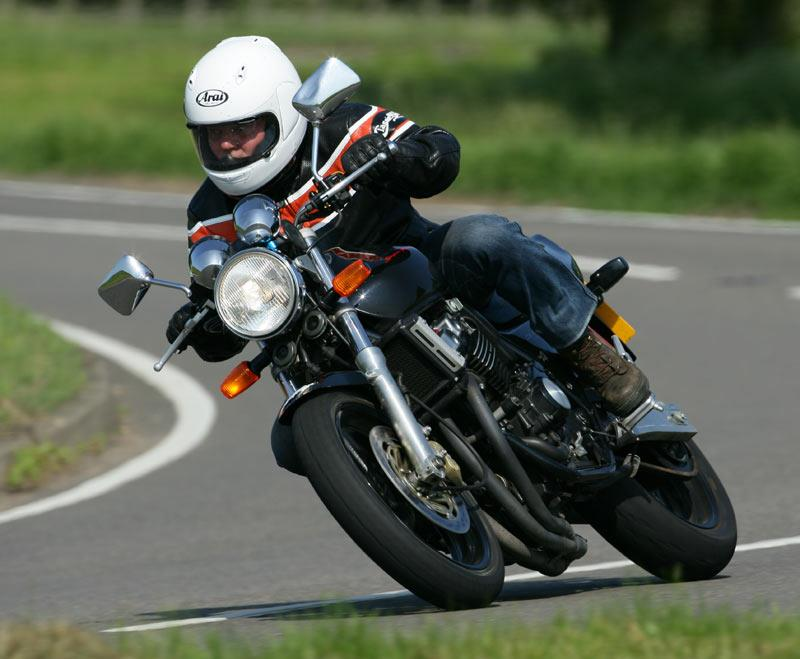 HONDA CB400 (1992-on) Review | Speed, Specs & Prices | MCN