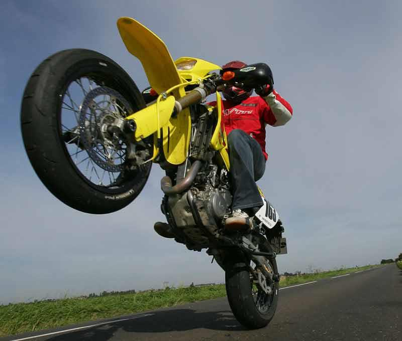 Suzuki Drz  Back Wheel