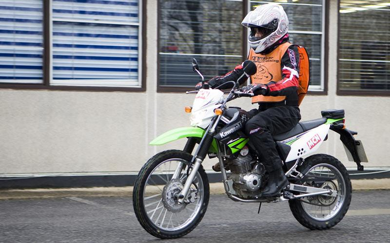 Kawasaki D Tracker 125 2010 On Review