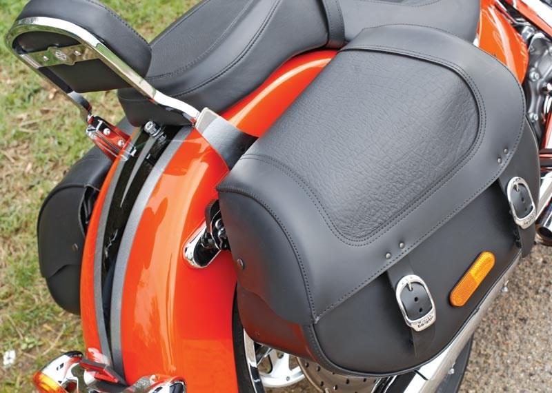 Harley Davidson Softail Cvo Convertible 2010 2012 Review