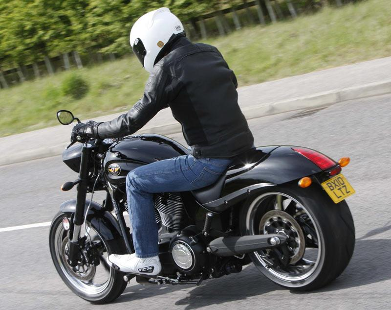 VICTORY HAMMER 8-BALL (2010-on) Review   MCN