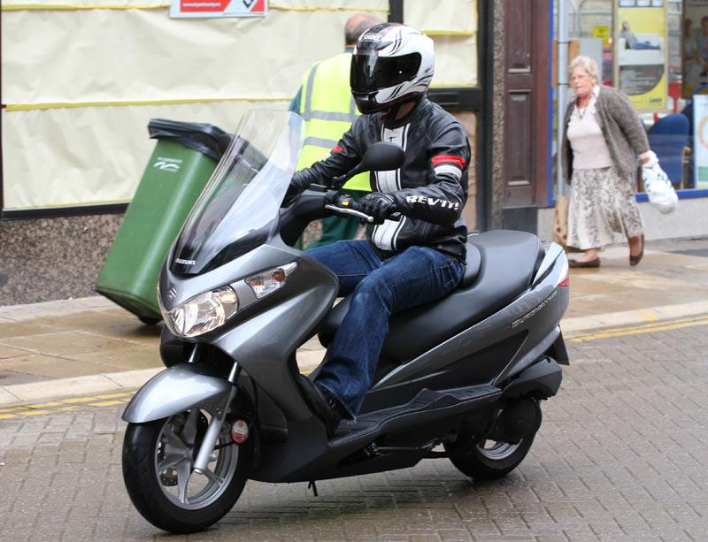 suzuki burgman 125 2002 2012 review specs prices mcn. Black Bedroom Furniture Sets. Home Design Ideas