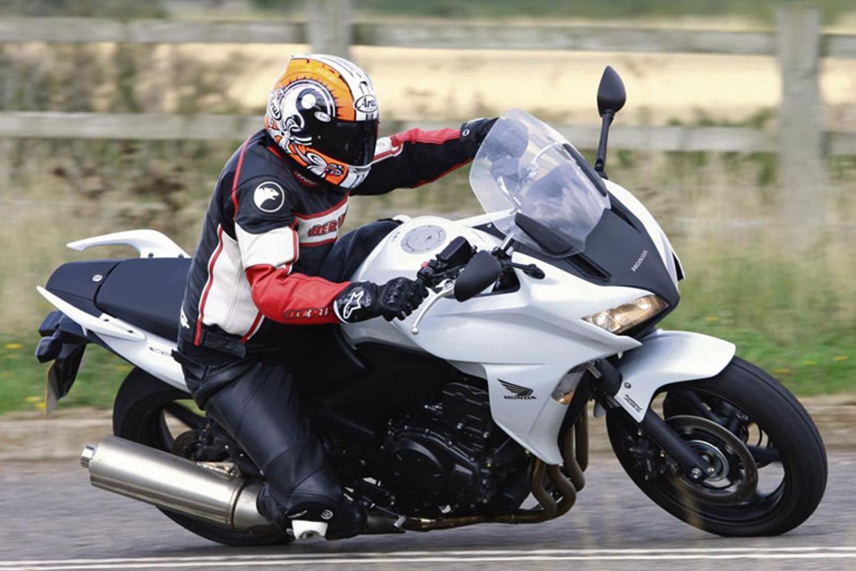 Cornering quickly on the 2010-2018 Honda CBF 1000