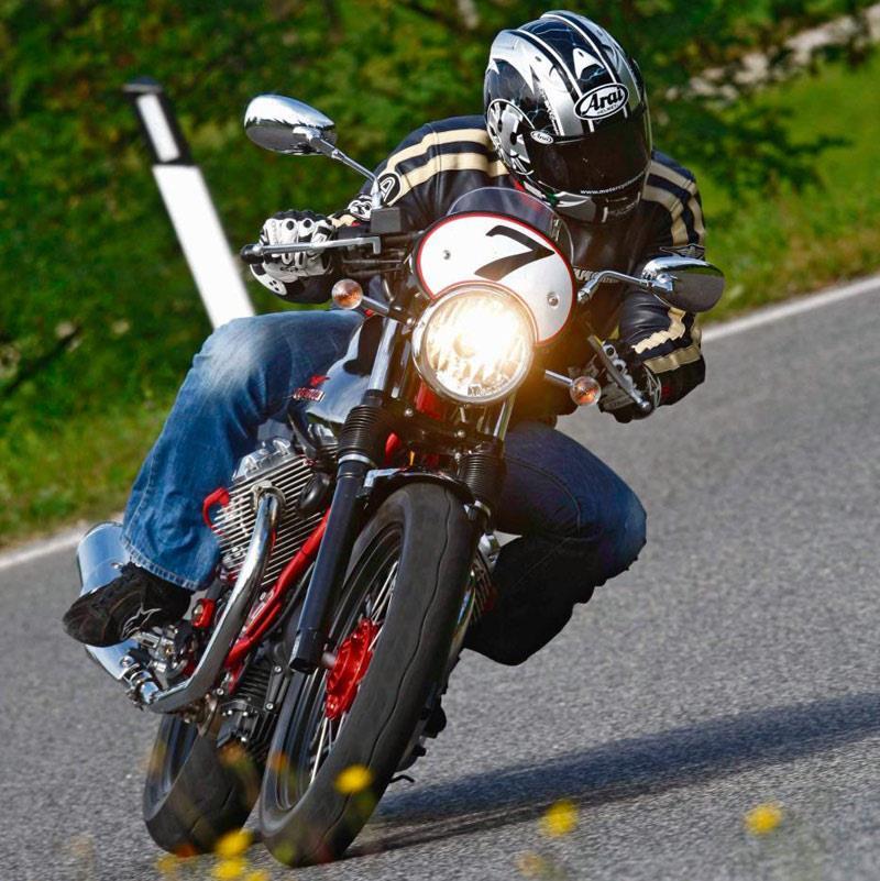 moto guzzi v7 racer 2011 on review mcn. Black Bedroom Furniture Sets. Home Design Ideas