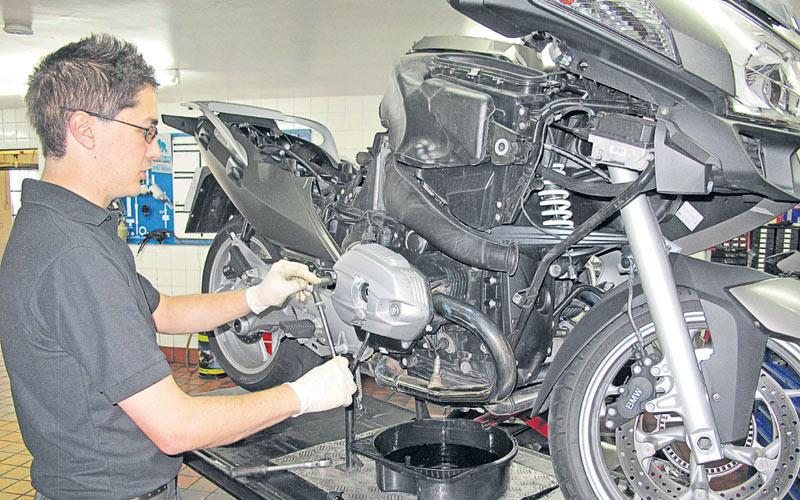 What's causing BMW R1200RT rattle? | MCN