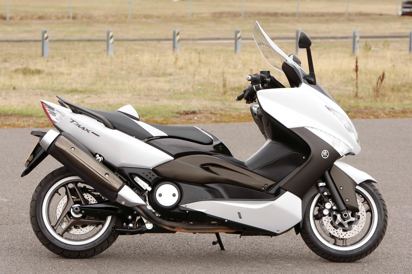 motorcycle insurance bargains yamaha t max. Black Bedroom Furniture Sets. Home Design Ideas