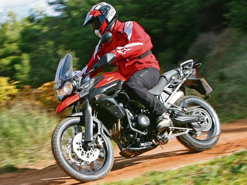 2016 Triumph Tiger 800 XC - Picture 645650   motorcycle