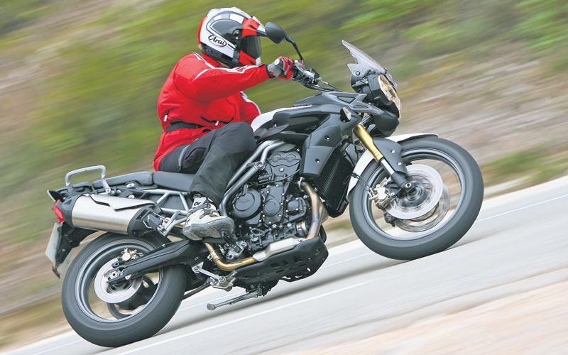 TRIUMPH TIGER 800 (2010-2014) Review | MCN