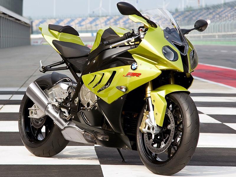 Kawasaki ZX-10R v BMW S1000R - spec comparison   MCN