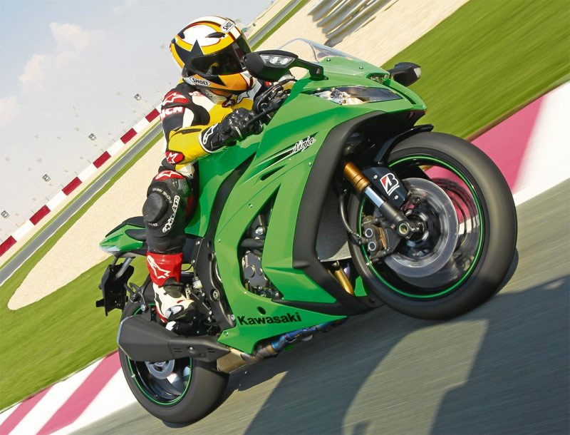 KAWASAKI ZX-10R (2011-2015) Review | Specs & Prices | MCN