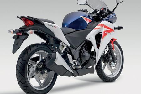 New Honda Cbr250r V Kawasaki Ninja 250r Is This The Best They Can Do