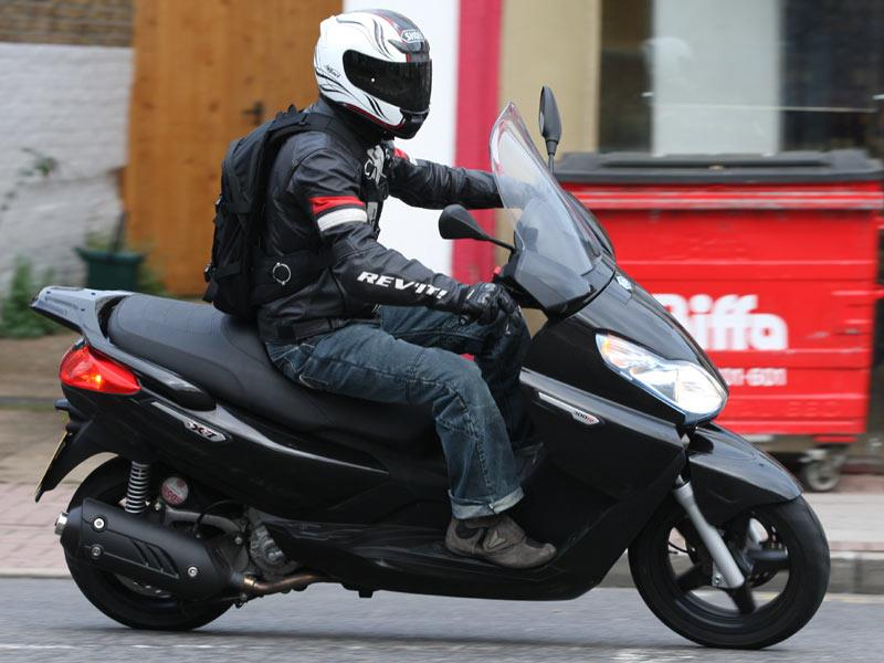 piaggio x7 300 (2010-on) review   mcn