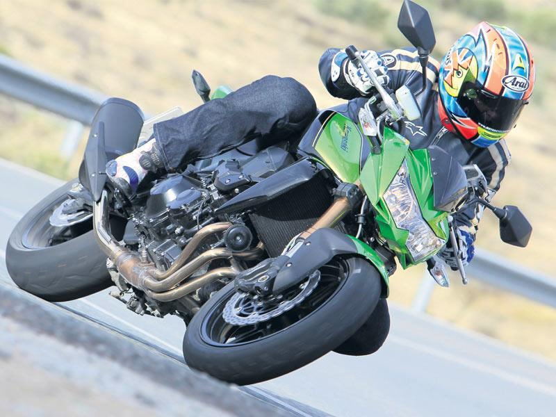 KAWASAKI Z750R (2011-2012) Review | Speed, Specs & Prices | MCN