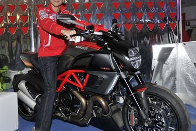 Rossi Poses With Ducati Diavel Carbon